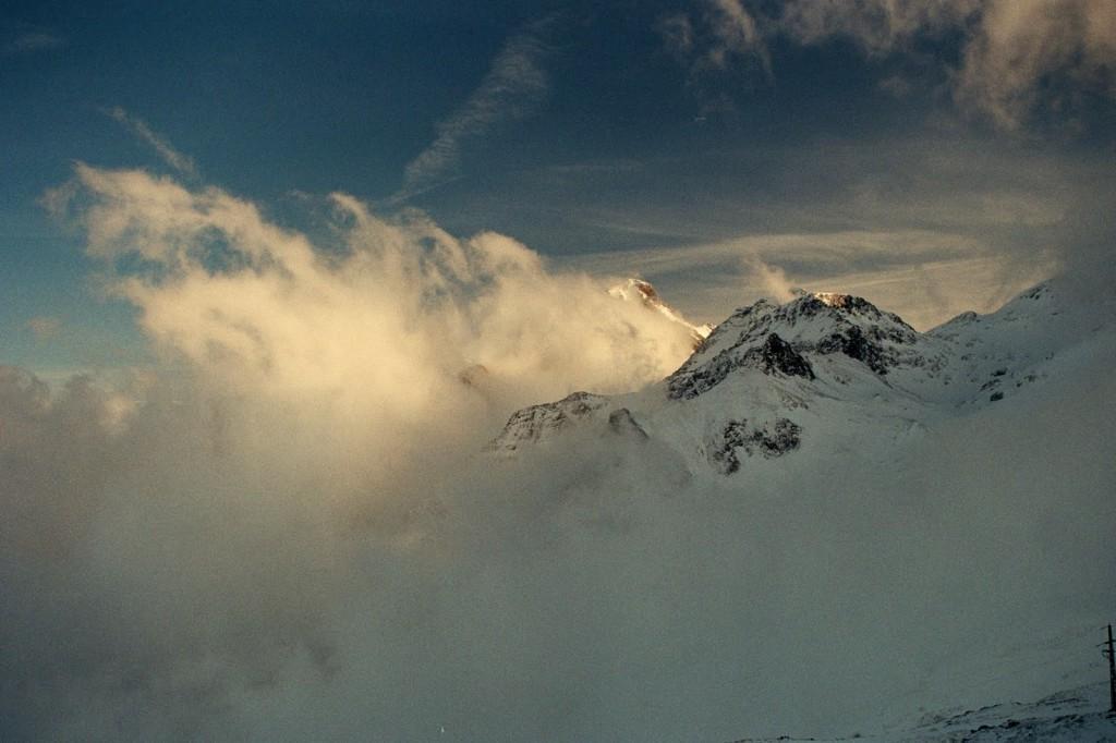 widok z col Araing, Pireneje, luty