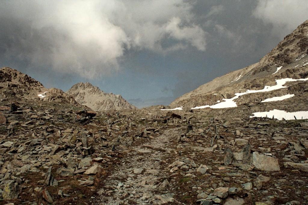 popołudniowa burza w Alpach, Włochy, lipiec