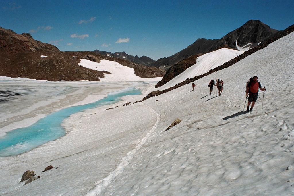 Lac de col d'Arrantille, Pireneje, lipiec