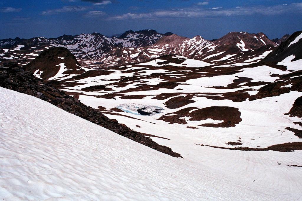 Zimowe zejście z Puig Carlit , Wschodnie Pireneje, czerwiec