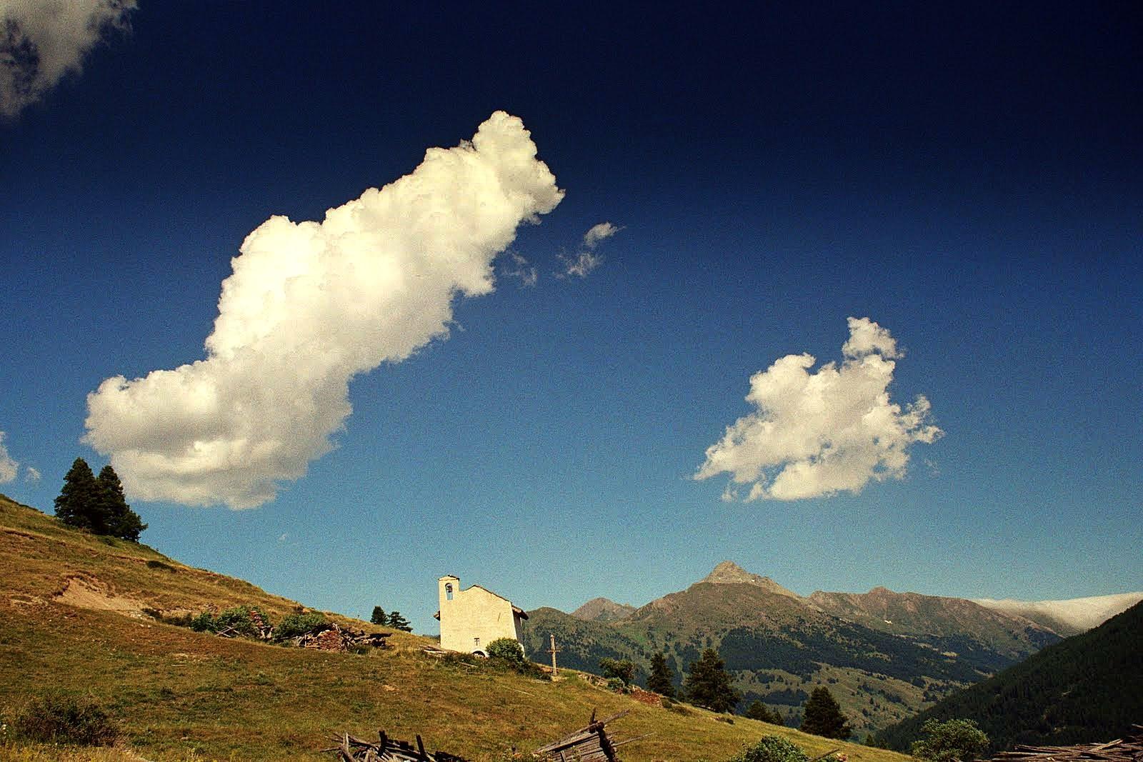 Eglises,2000 m npm Queyras, Alpy