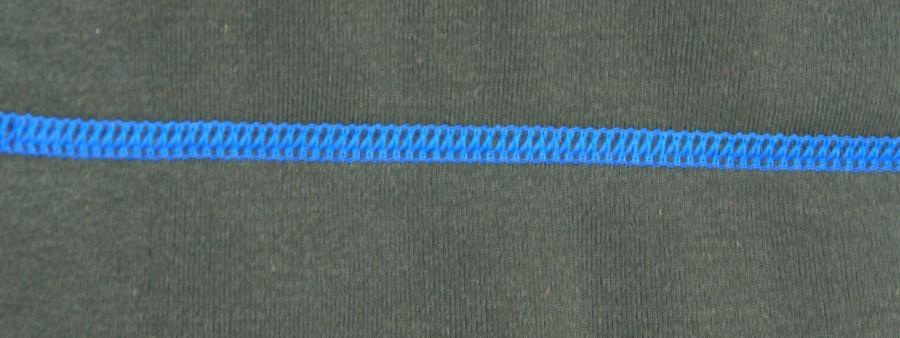 ciemnozielony z nićmi w kolorze ocean blue
