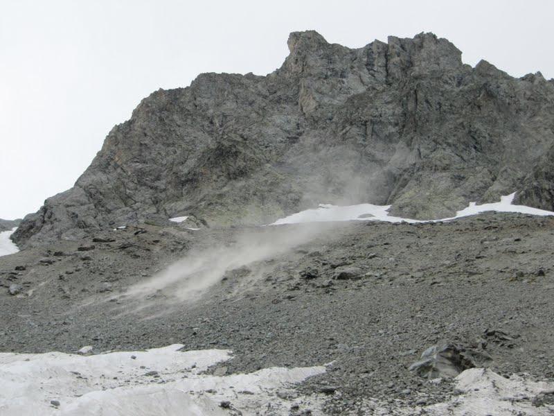 kamienna lawinka pod lodowcem Gauthier, Jose Antonio de la fuente