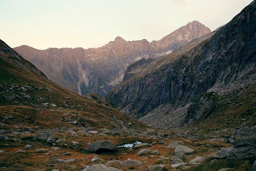widok w dół doliny Arrouge, w tle Pic Quayrat