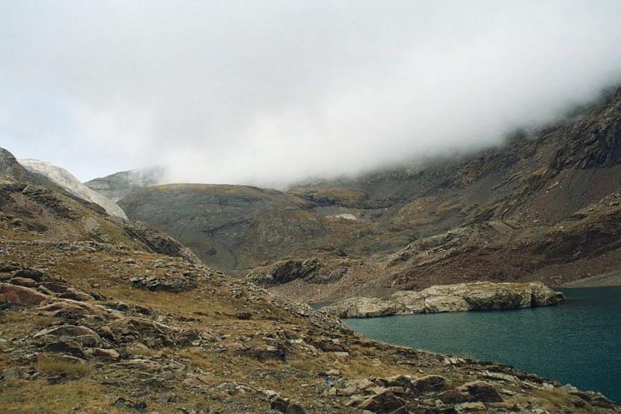 Jeziorka La Munia, widok na Colado la Munia