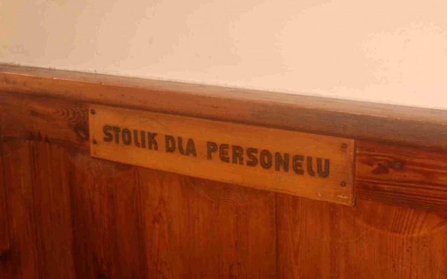Stolik w puściutkim Murowańcu