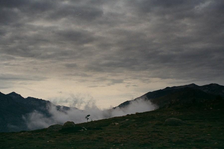 widok z grani na dolinę Tavignano