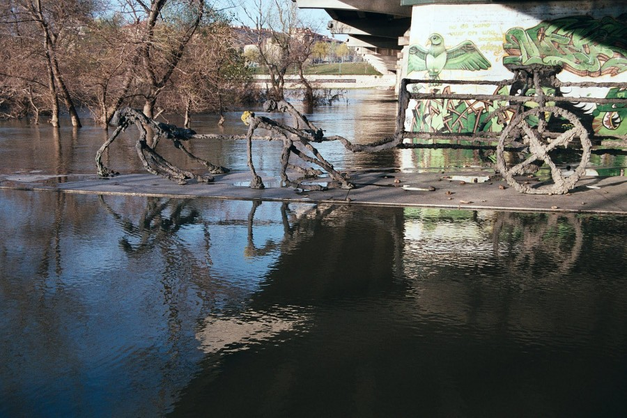 rozlana rzeka Ebro