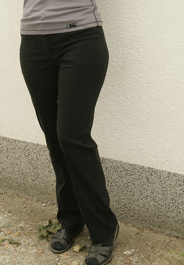 spodnie Vetti modelka 175 cm, 106 cm w biodrach