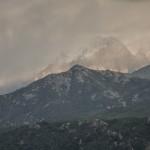 śnieżyca w wysokich górach