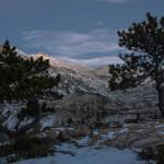 Estany Romedo na chwile przed świtem, Pireneje, listopad