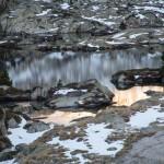 Estany Romedo na chwilę przed świtem, Pireneje, listopad