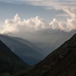 widok znad Lac Izourt na Montagne Tabe