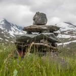 już na szlaku- typowy norweski kopczyk