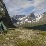 cień naszego namiotu... no prawie:)