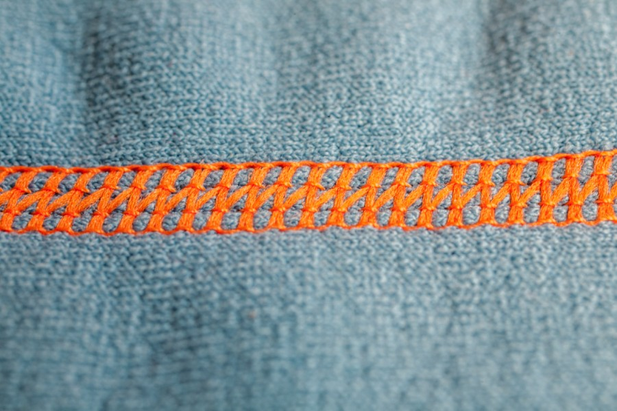 Blue Denim i pomarańczowe nici