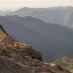 Pireneje, lipiec , w dole schronisko Espingo