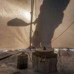 namiot zimą -Norwegia marzec
